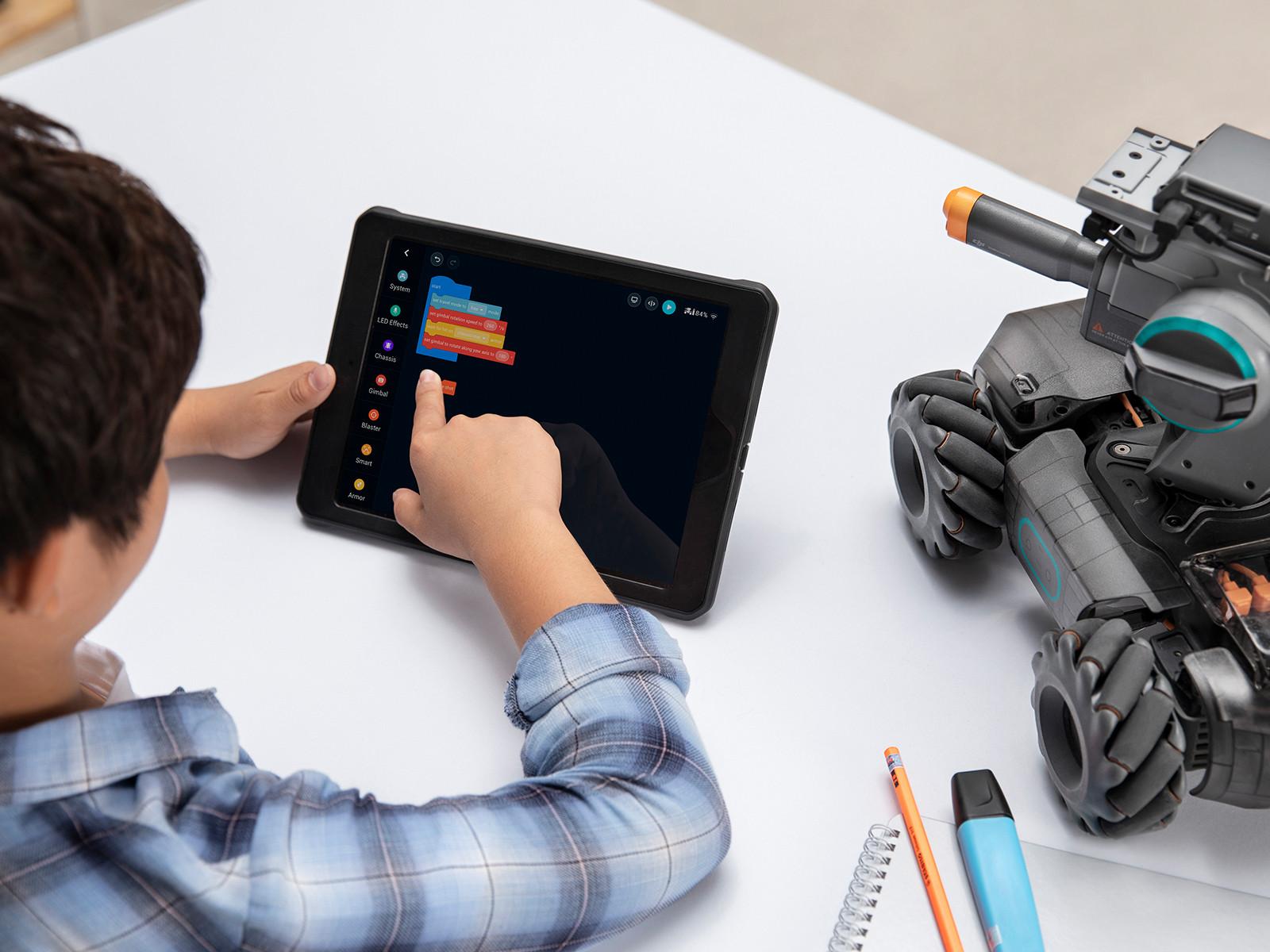 de RoboMaster S1 is programmeerbaar